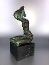 Bronze-Skulptur - abstrakter Frauenakt (signiert / Gießer-Stempel ?)