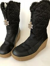 dda84f8cac1 AUTHENTIC Juicy Couture Snowflurry Black Quilted Fur Wedge Winter Snow  Boots 9