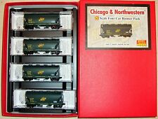 N MTL 993 00 098 Runner 4-Pk Chicago & North Western 2-Bay Covered Hoppers