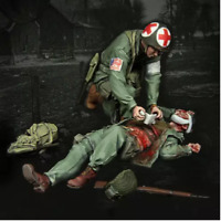 1:35 model World War II USA Wounded soldiers from the resin set of 2 figures