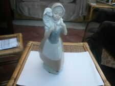 VINTAGE GOOD SIZE NAO BY LLADRO FIGURE FARM GIRL HOLDING LAMB 10 INCH HIGH