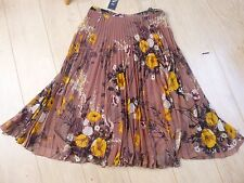 BNWT M&S pretty polyester lined pleated floral skirt size 16 RRP £29.50