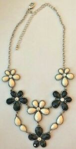 """Premier Designs Jewelry Go Girl 16"""" + 4"""" Necklace Black & White Flowers Crystals"""