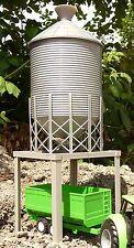 Kleinkindspielzeug Spielzeug Bauernhof XL SILO mit FUNKTION Höhe 44cm für Spur 1 geeignet   05803