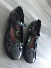 CLARKS WOMENS OLDER GIRLS BLACK BOOTLEG FLAT SHOES 7 F WIDE PATENT VELCRO FASTEN