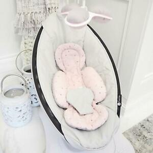 Reversible Floral Grey Set Insert mamaRoo 4moms Infant Seat with Matching Toys