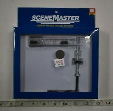 HO Scale Walthers Scenemaster 949-4330, Modern 2-Lane Cantilever Crossing Signal