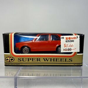 MotorMax / Zee Toys D83 VW Volkswagen Golf GTI 1:64 Scale Diecast Red NEW