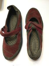 Privo Red/ Gray Suede  Flats Comfort Shoes Women's Size 7M New Was $90