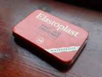 Vintage elastoplast tin 1st first aid waterproof , no, 7106