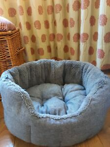 Kudos Tweed Dog Bed