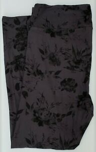 TC2 LuLaRoe Tall & Curvy2 Leggings Gourgeous Roses Gray Black Rare Print G55