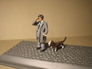 1/43  FIGURE  COLUMBO  PETER FALK  VROOM  PAINTED  FOR  NOREV  UNIVERSAL HOBBIES