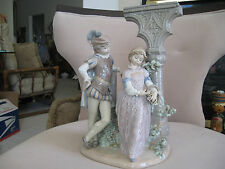 "LLADRO #5300""MEDIEVAL COURTSHIP"" 7 POUNDS FIGURINE"