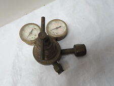 Used: Victor Regulator, For Parts or Repair: Left Gauge needs to be replaced