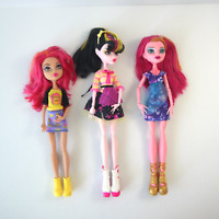 Monster High Dolls (lot 3) Geek Shriek Howleen, Draculaura Art Class, Gigi Grant