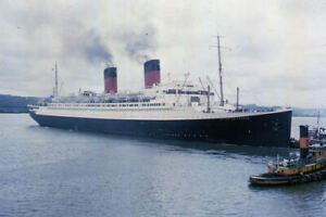 1950s Red Border SS ILE de France Passenger Ship Original Amateur Color Slide