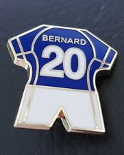 Everton Kit Pin Badge - Bernard No.20