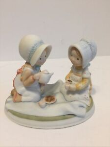 """Holly Hobbie Designer's Collection Figurine : """"Two Girls Having A Tea Party"""""""