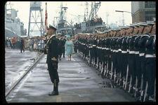 536008 reine mère commentaires troupes à Navy Yard A4 papier photo