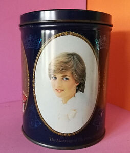 TIN CONTAINER VINTAGE THE MARRIAGE PRINCE OF WALES AND LADY DIANA SPENCER 1981