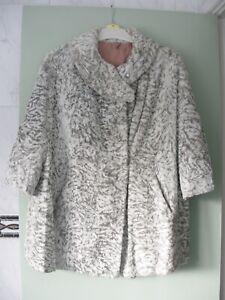 Vintage Faux Fur Ladies Cream Brown Jacket Size 14 3/4 Sleeves  - (P1)