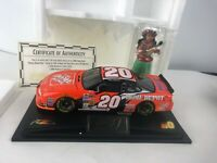 Tony Stewart 1:24 #20 2002 Home Depot Raced Version W/ Hula Doll ALANTA
