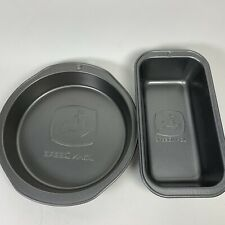 JOHN DEERE BAKING SET OF 2 ROUND CAKE AND BREAD PAN PRE OWNED
