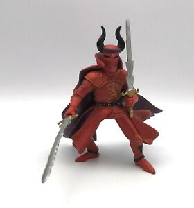 PAPO RED DRAGON KNIGHT Horned Soldier w/Swords Medevil Figure 2006