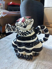 Signed Lynda Corneille Sealed With A Kiss Cat Teapot