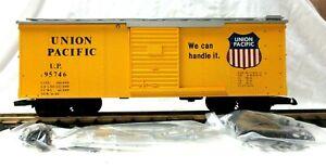 USA/ CHARLES RO 1968 UNION PACIFIC STEEL BOX CAR     NEW