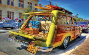 Sunsout 300 Piece Large Format Jigsaw Puzzle - Woody Wagon