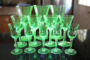 LOT Of 12 Vaseline Uranium Glasses ~ Champagne And Cordial ~ Panels