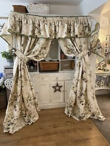 Vintage LAURA ASHLEY Fairthorne Country Floral INTERLINED Large Curtains Set