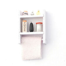 Puppenhaus Puppenstube 1:12 Regal mit Handtüchern und Flaschen Puppenstuben & -häuser