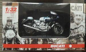 DUCATI 900  SS 1975 SCALA 1:32 NEW RAY TOYS MIB