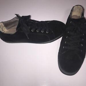 UGG Australia 'Vanowen' Sneaker Mens Black EUC!! Size 13