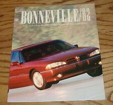 Original 1992 Pontiac Bonneville Foldout Sales Brochure 92