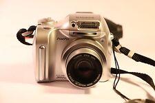 Fujifilm FinePix 2800 Zoom 2.0MP Digital Camera - Silver