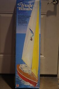 VINTAGE KYOSHO TRADE WINDS R/C SAILBOAT, NEW CONDITION IN BOX, MODEL 2251 JAPAN!