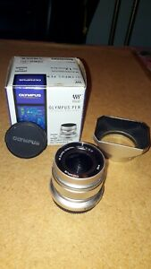 Olympus M.Zuiko EW-M1220 12mm F/2.0 ED Digital Lens - Silver inclOlympus Hood