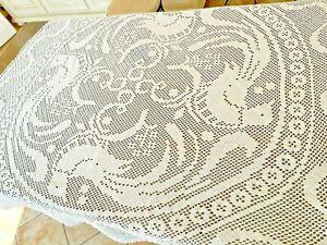 Napperonde en coton Ancienne blanc faite à la main au crochet 150 cm