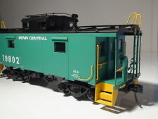 O-SCALE ATLAS #3008304-1 PENN CENTRAL NE-6 CABOOSE ROAD # 19800 {2} RAIL