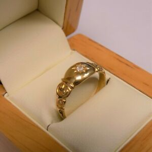 18ct Yellow Gold CZ Patterned Signet Ring Size O 1/2 Hallmarked Free Postage