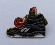 REEBOK PUMPS PUMP ACTION TRAINERS 1980s / 90s VTG RETRO PIN BADGE
