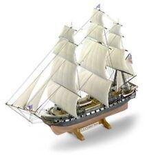 Revell Modellbausatz 05406 - Fregatte U.S.S. United States im Maßstab 1:150
