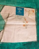 Beautiful Vintage A Peacock Creation Daisies Embroidered Half Apron Pocket
