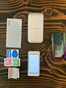 Apple iPod Touch (7th Generation) Latest Model - White/Silver, 32GB Lightly Used