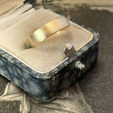 Frosted 18ct yellow gold wedding ring vintage hallmarked 4.8mm wide band UK L.5