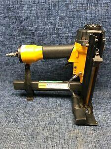 BOSTITCH SB150SLBC Plastic Cap Stapler and Case